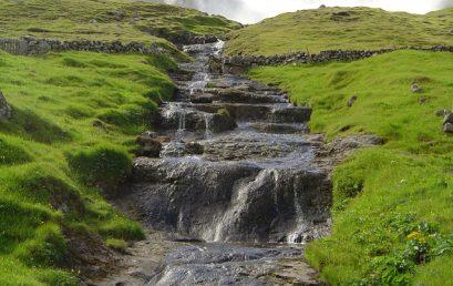 De adembenemende natuur van de Faeröer